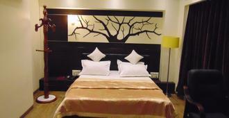 Hotel Grand Pragati - Surat