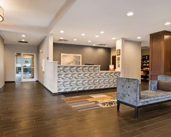 Best Western Plus Boardman Inn & Suites - Poland - Salónek