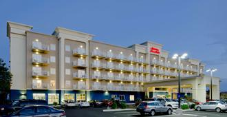 Hampton Inn & Suites Ocean City, MD - Ocean City - Building