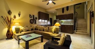Pool Side Studio Suite One At Casa De Suenos - San José del Cabo - Living room