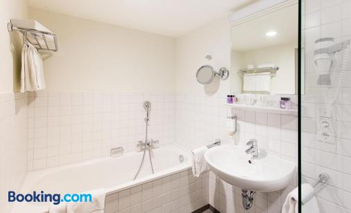 Stadthotel am Römerturm - Cologne - Bathroom
