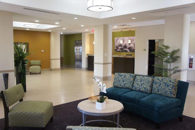 La Quinta Inn & Suites by Wyndham Gonzales LA - Gonzales - Lobby