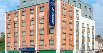 Travelodge London Balham - London - Building