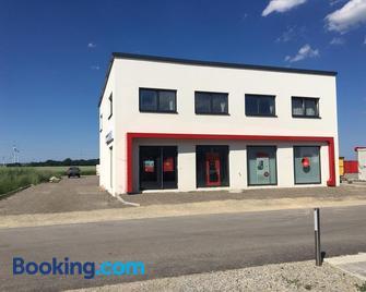 Wein4tler-Motel - Gänserndorf - Building
