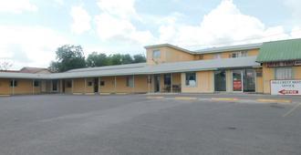 Hillcrest Motel - Eagle Pass - Κτίριο
