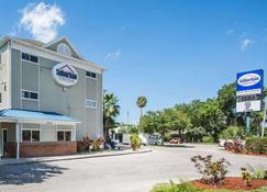 Suburban Extended Stay Hotel Airport - Тампа - Здание