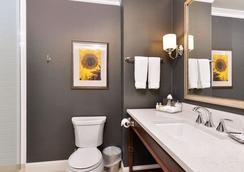 Majestic Inn & Spa - Anacortes - Bathroom