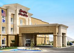 Hampton and Suites Ridgecrest, CA - Ridgecrest - Gebouw