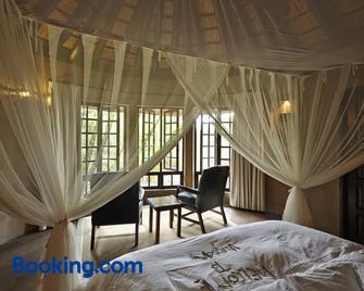 Vuyani Safari Lodge - Hoedspruit - Bedroom