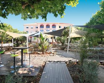 Adonis Sanary Grand Hôtel Des Bains - Sanary-sur-Mer - Patio