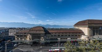 Hotel Continental - Lausanne - Outdoor view