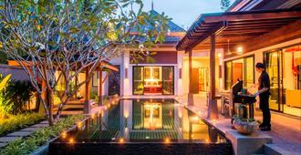 The Bell Pool Villas - Kamala