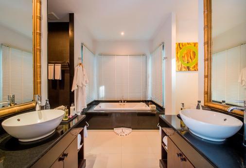 貝爾泳池別墅渡假村 - 卡馬拉 - 卡馬拉海灘 - 浴室