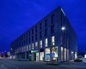 Holiday Inn Express Regensburg - Řezno - Building