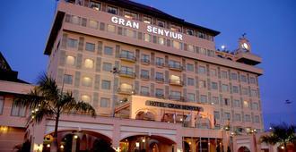 Gran Senyiur Hotel - Balikpapan - Building
