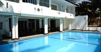Nippon Villa Beach Resort - Hikkaduwa - Pool