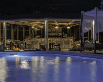 Skiathos Avaton Hotel - Kanapitsa - Басейн