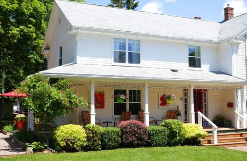 Warn House Bed And Breakfast - Summerside - Building
