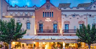 Kalma Sitges Hotel - סיטגס - כניסה למלון