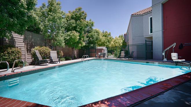 Best Western Lanai Garden Inn & Suites - San Jose - Piscina