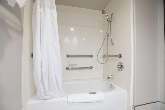 貝斯特韋斯特陽台花園旅館及套房酒店 - 聖荷西 - 聖何塞 - 浴室