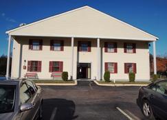 Hilltop Express Inn - Groton - Building