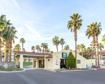 Quality Inn Boulder City - Boulder City - Building