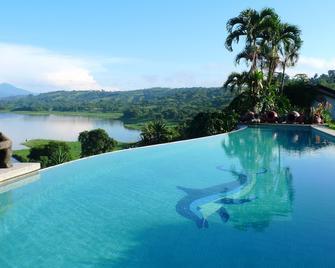 La Mansion Inn Arenal - Nuevo Arenal - Pool