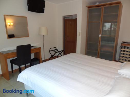 Guesthouse Les Tilleuls - Fleurus - Bedroom