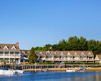 Baron's Cove - Sag Harbor - Building