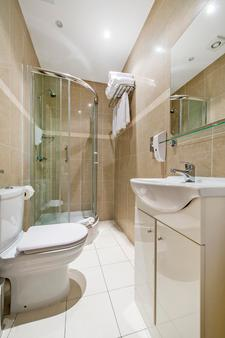 Lidos Hotel - London - Bathroom