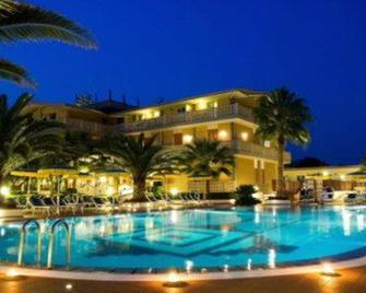 Hotel Olimpico - Pontecagnano Faiano - Zwembad