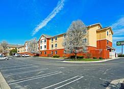 Extended Stay America - Detroit - Auburn Hills - Auburn Hills - Rakennus