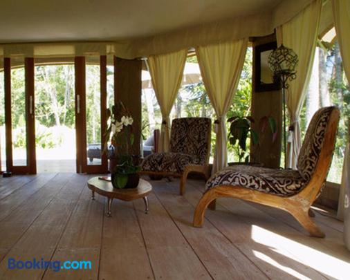 Sandat Glamping Tents - Ubud - Living room