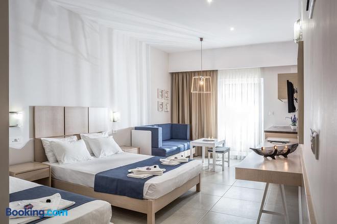 Sea View Hotel & Apartments - Chania - Bedroom