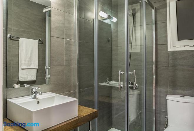 Sea View Hotel & Apartments - Chania - Bathroom