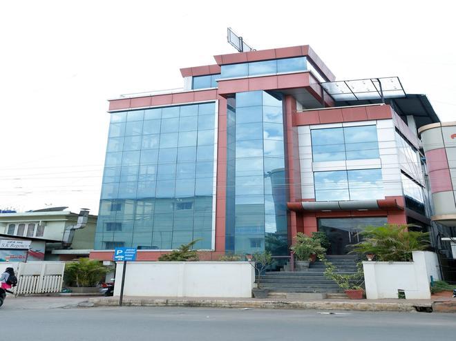 Oyo 12162 New S K Regency - Chikamagalur - Building