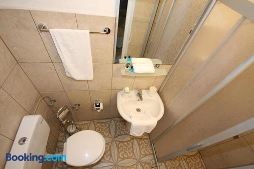 Urkmez Hotel - Selçuk - Bathroom