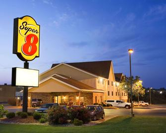 Super 8 by Wyndham Alton - Alton - Building