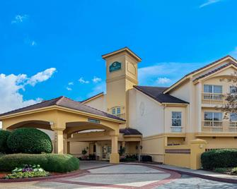 La Quinta Inn & Suites by Wyndham Macon - Macon - Building