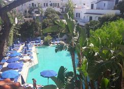 Hotel Floridiana Terme - Искья - Бассейн