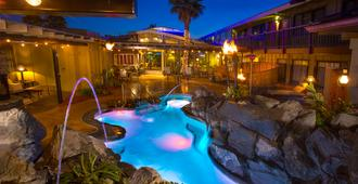 Best Western Plus Humboldt Bay Inn - Eureka - Pool