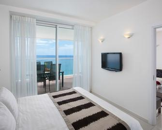 Island Luxurious Suites Hotel - Netanya - Bedroom