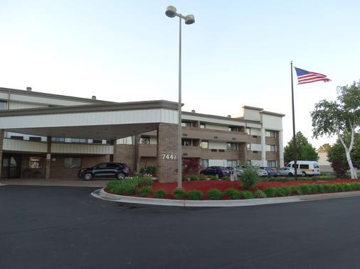 Best Western Warren Hotel - Warren - Building