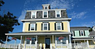 Harbor House Inn - Boothbay Harbor - Building
