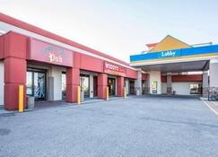 Quality Inn and Conference Centre - Red Deer - Rakennus