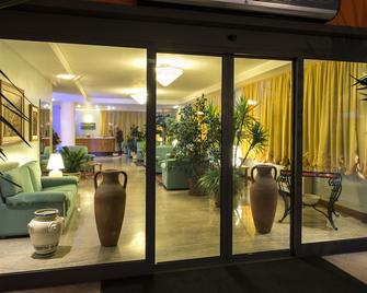 Hotel Torresi - Potenza Picena - Lobby