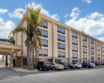 Comfort Inn & Suites Anaheim - Anaheim