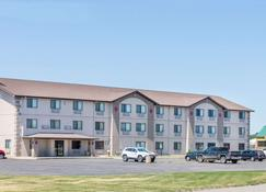 Super 8 by Wyndham Sioux City South - Sioux City - Building
