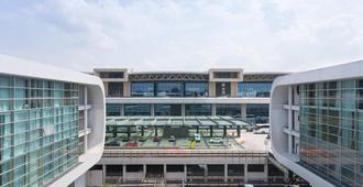 Sheraton Milan Malpensa Airport Hotel & Conference Centre - Case Nuove